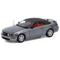 Diecast 1/24 Scale 2007 Mustang GT Convertible - Franklin Mint Limited Edition